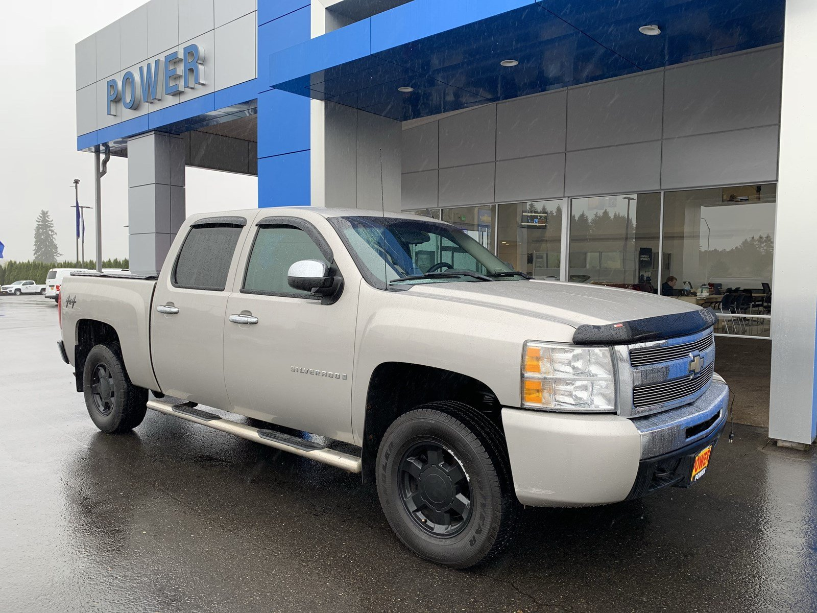 Pre Owned 2009 Chevrolet Silverado 1500 Crew Cab Pickup in Salem
