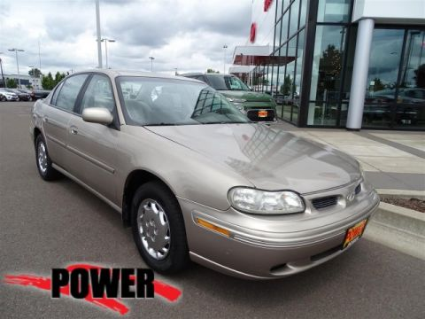 Pre-Owned 1998 Oldsmobile Cutlass GL